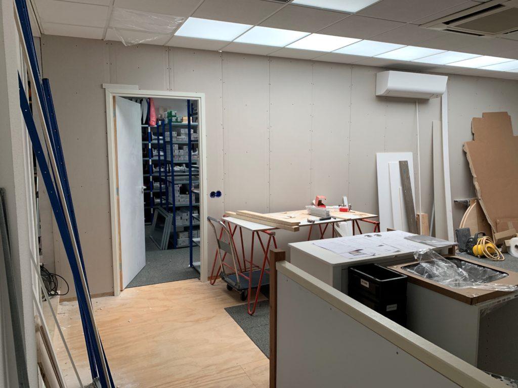 Reparatie kantoor